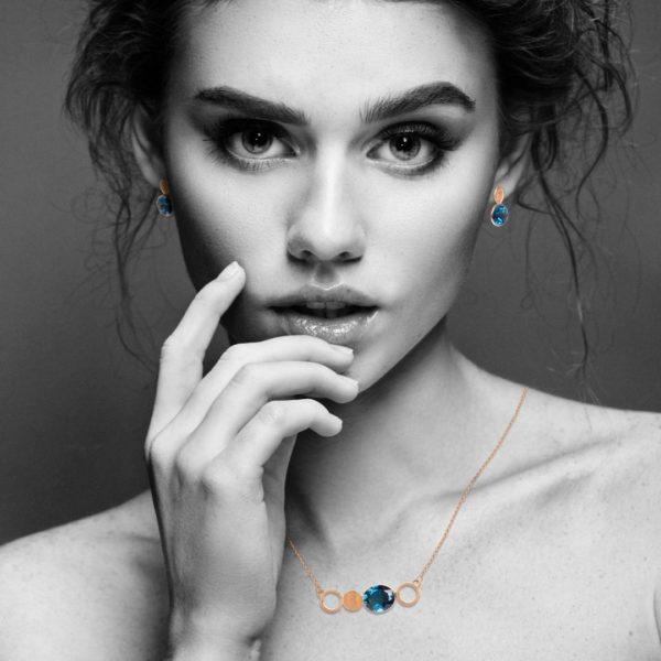 Audrey Huet Joaillerie Boucles d'oreilles topaze blue london bijoux colorés pierres naturelles or 18 carats personnalisable