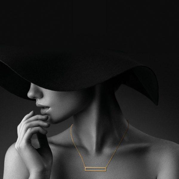 Audrey Huet Joaillerie collier or 18 carats design épuré pour des femmes élégantes de caractère